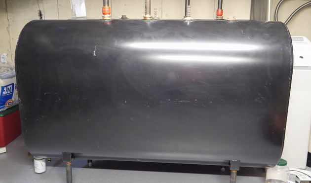 A 275 gallon steel tank